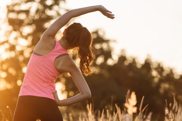 瑜伽教練推薦的早上拉伸運動